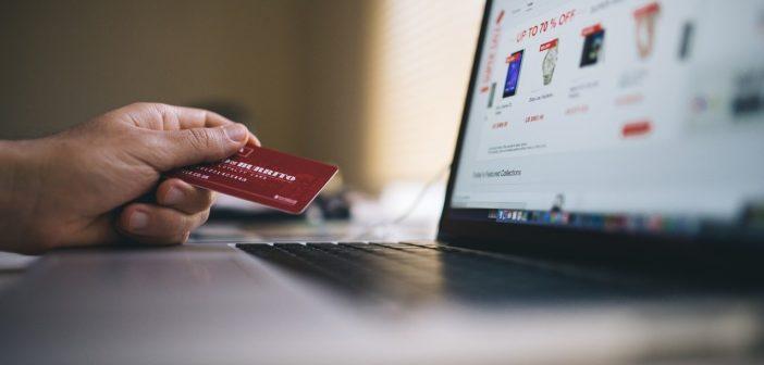 Jak w czasach epidemii najbezpieczniej robić zakupy?